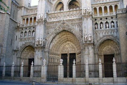 catedraldetoledo_fachada2.jpg
